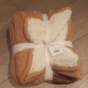 Pottery Barn cozy cable throw